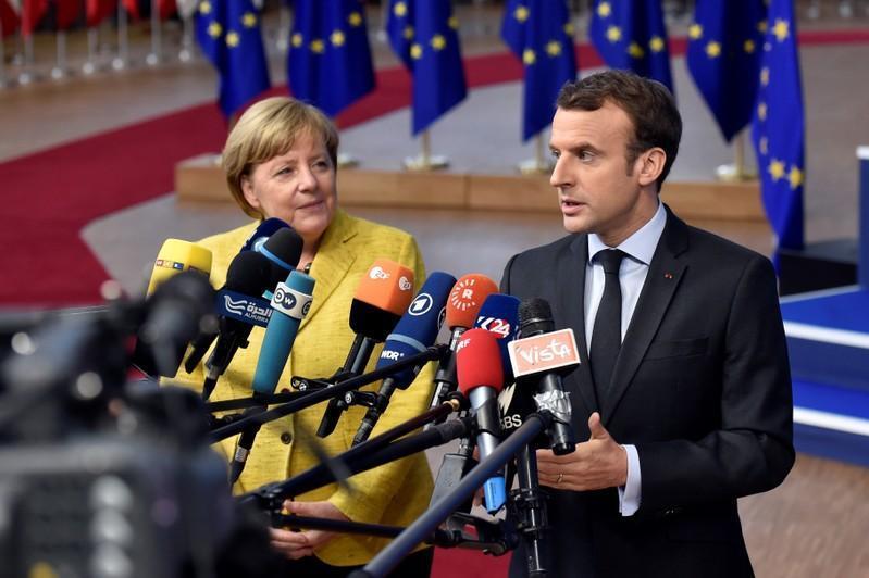 ماكرون: الطاقة النووية والمتجددة ستساعد فرنسا على خفض انبعاثات الكربون