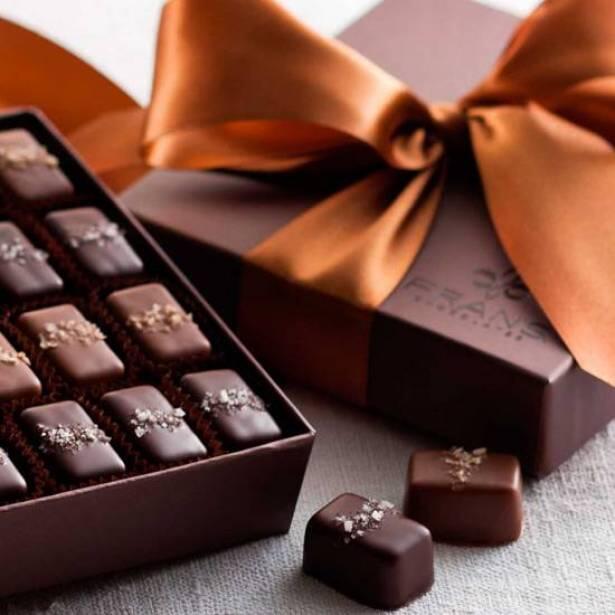 """الشوكولا يساهم في التقليل من الإصابة بالأزمات القلبية والأمراض السرطانية لاحتوائه على """"فلافونويد"""""""