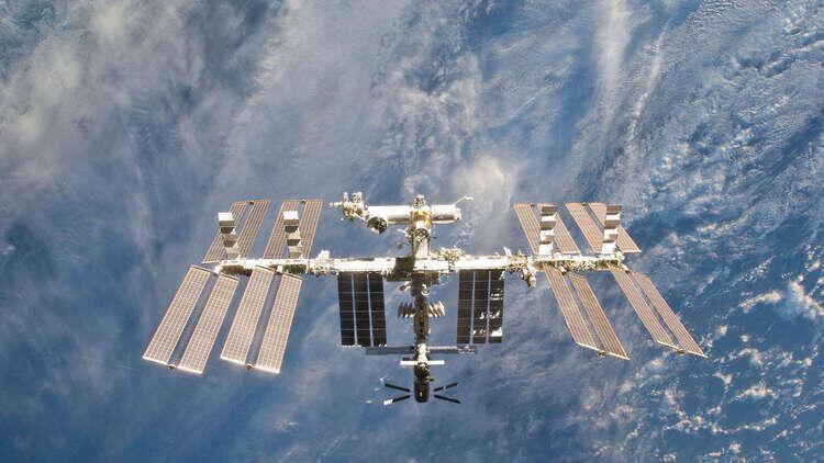 تعديل مدار المحطة الفضائية الدولية