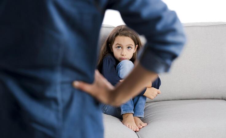 طفلك يكذب؟ إليكِ الأسباب والحلول