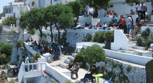 """هدم جزء من مقهى """"الحافة"""" يثير الجدل في المغرب..لماذا كل هذه الضجة؟"""