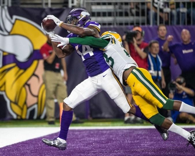 NFL: Green Bay Packers at Minnesota Vikings