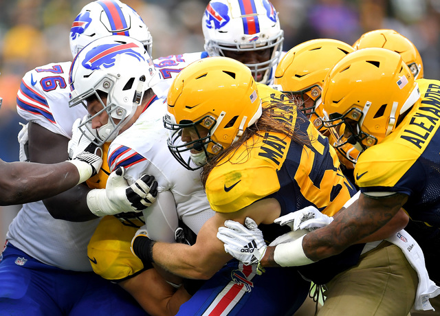 Buffalo Bills v Green Bay Packers