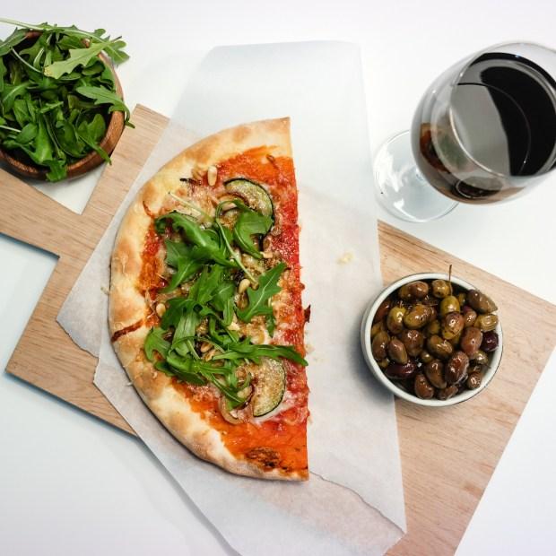 Seks tips til hvordan du kan lage pizza i en fei!