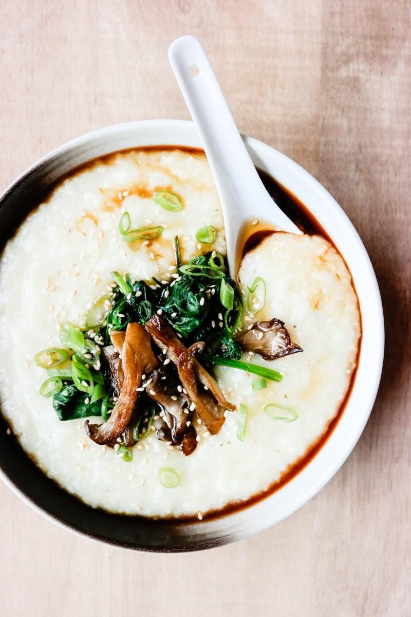 Har du prøvd congee? Det er en tradisjonell kinesisk risgrøt, som er laget av kun ris og vann.