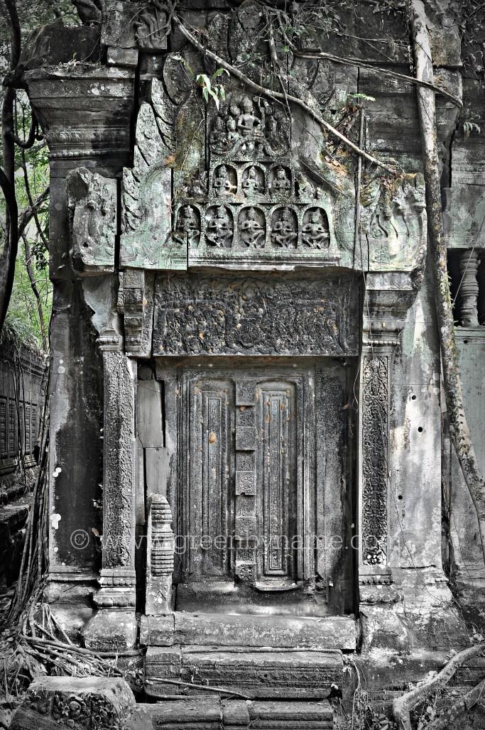beng-melea-cambodia-door-way-angkor-mystery-photography-tour-travel-tori-green-by-name-CR