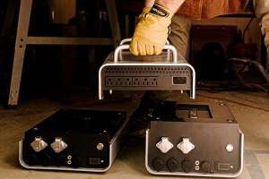 WattAnt-Portable-Power-Station-with-Swappable-Batteries