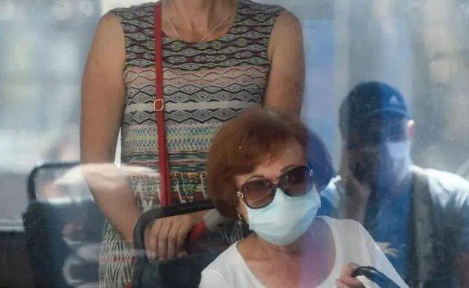 Шмыгаль заявил о стабилизации пандемии COVID-19 в Украине