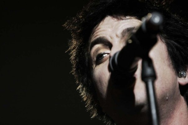 Billie with Sweat in Torino (Turin) - Photograph by Giulio Lapone, November 12, 2009