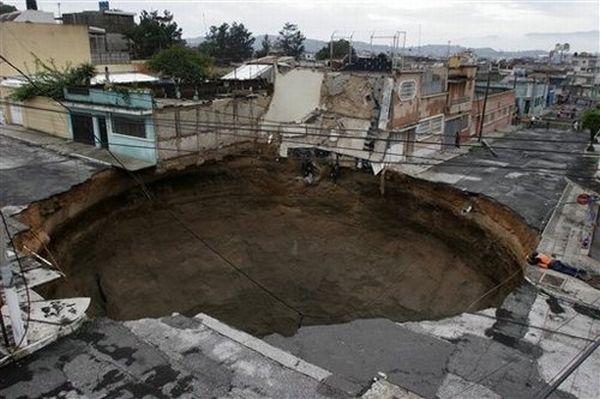 Guatemala Sinkhole 2007