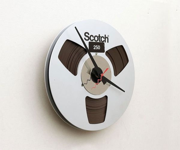 Magnetic Tape Reel Clock