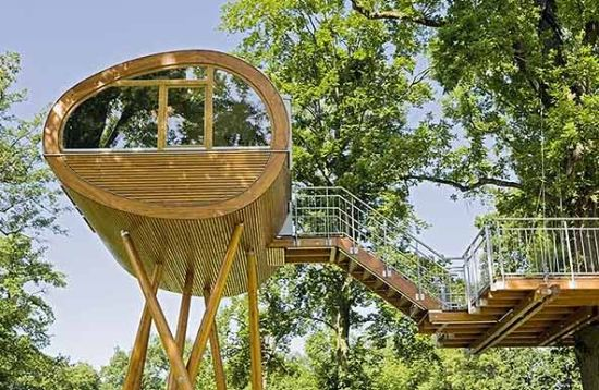 oval tree house 3