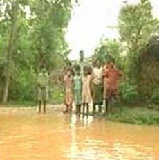 rains cut off villages in maharashtra