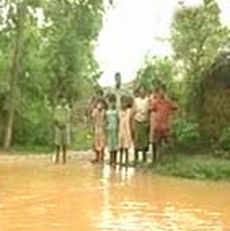 rains cut off villages in maharashtra