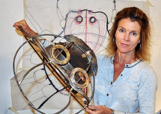 recycled spider sculpture fiona campbell 1