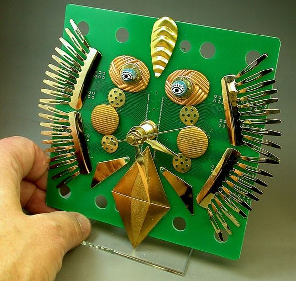 Recycled circuit board clock 2