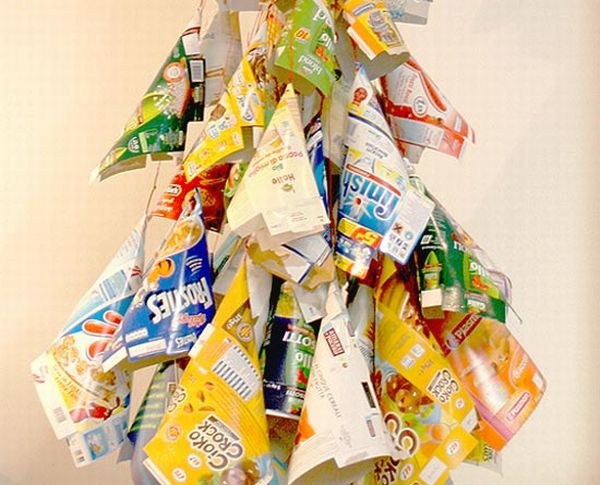 10 most creative christmas trees made using recycled for Creative use of waste material