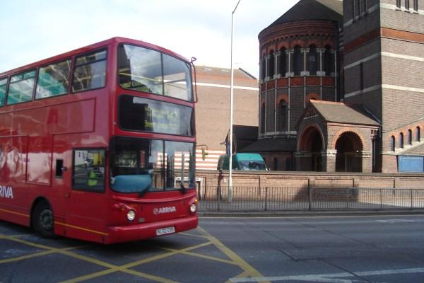 Bus_142_on_Claredon_Road,_Watford,_7_Oct_2008