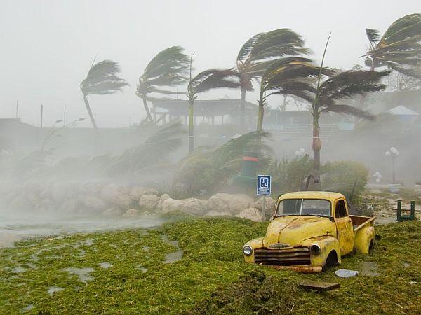hurricane speed winds