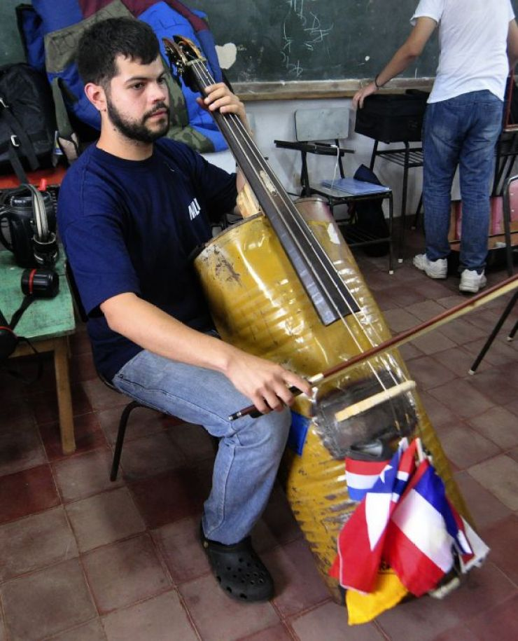 DOUNIAMAG-PARAGUAY-MUSIC-TRASH-INSTRUMENTS