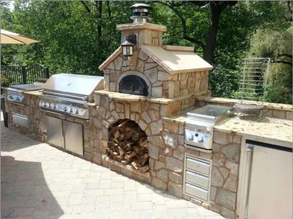 More and more people are making outdoor ovens in their backyard, garden or  porch, as they have realized how it becomes a heart of a garden or porch. - Outdoor Ovens You Can Build Using Recycled Materials And For Quality