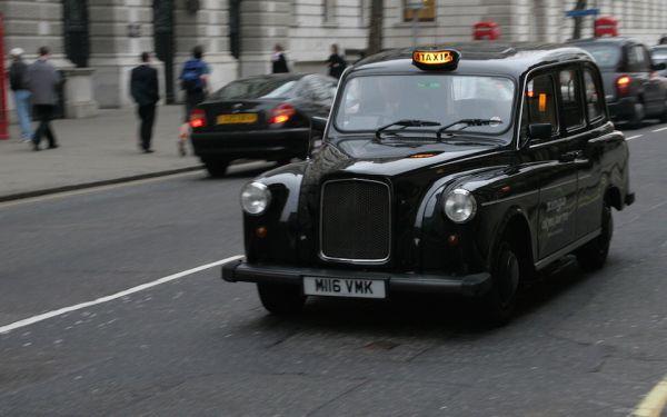London's electric hybrid black cabs