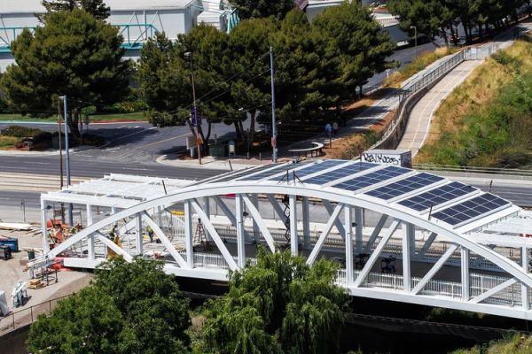 levis-stadium-solar-panel-clad-pedestrian-bridge