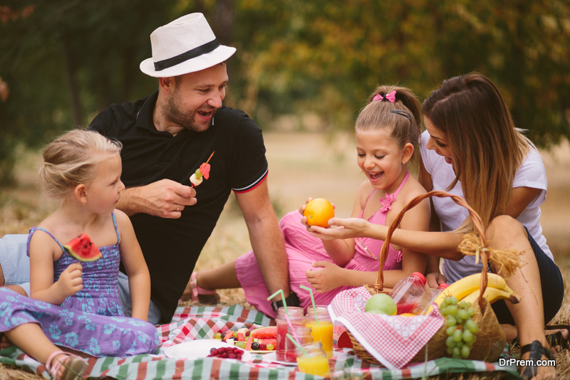 7 Eco Friendly Picnic Ideas To Enjoy Nature In A Truly Green Way