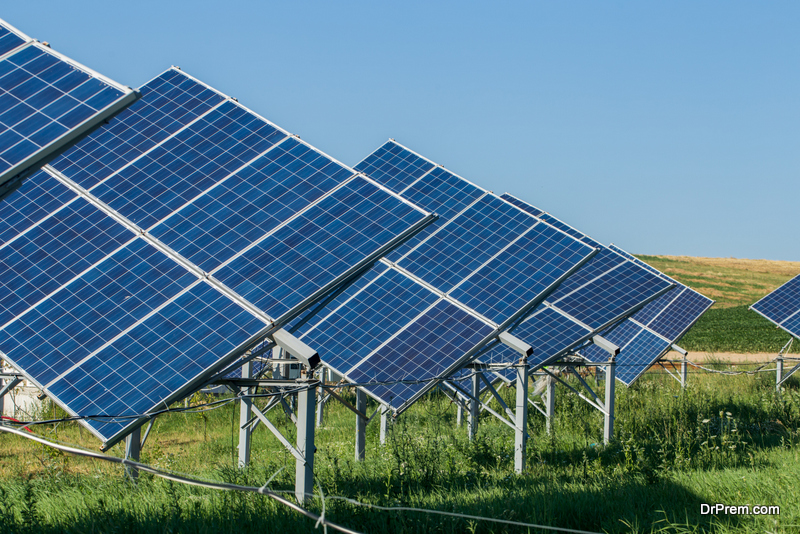 Google launches solar power service