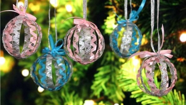 Christmas tree plastic bottle decor.