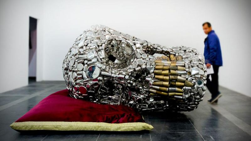 Skull-sculpture-by-Subodh-Gupta