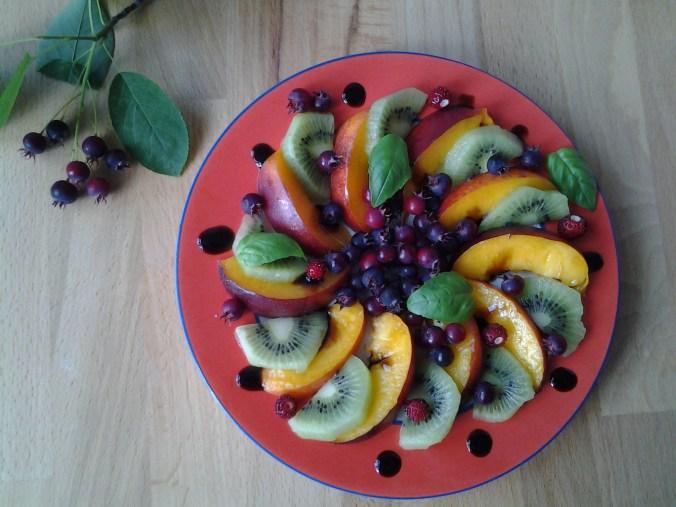 Fruitsalade met nectarine, kiwi & krenten