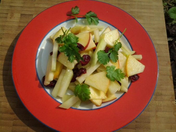 Koolrabisalade met appel en koriander