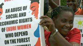 ekuriwomanprotestingsuperhighway