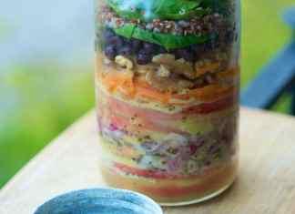 healing salad in a jar