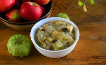 apple tomatillo chutney