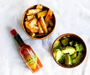Swede Chips with Guacamole
