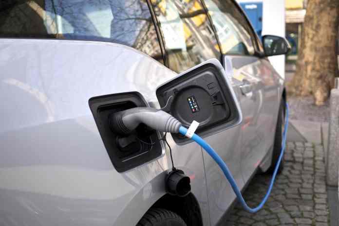 BMW i3 charging port