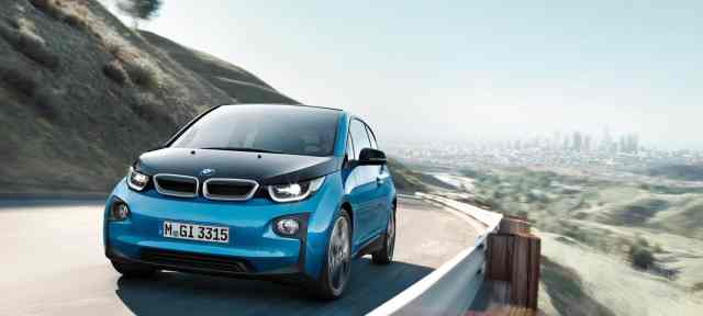 2017 BMW i3 on road