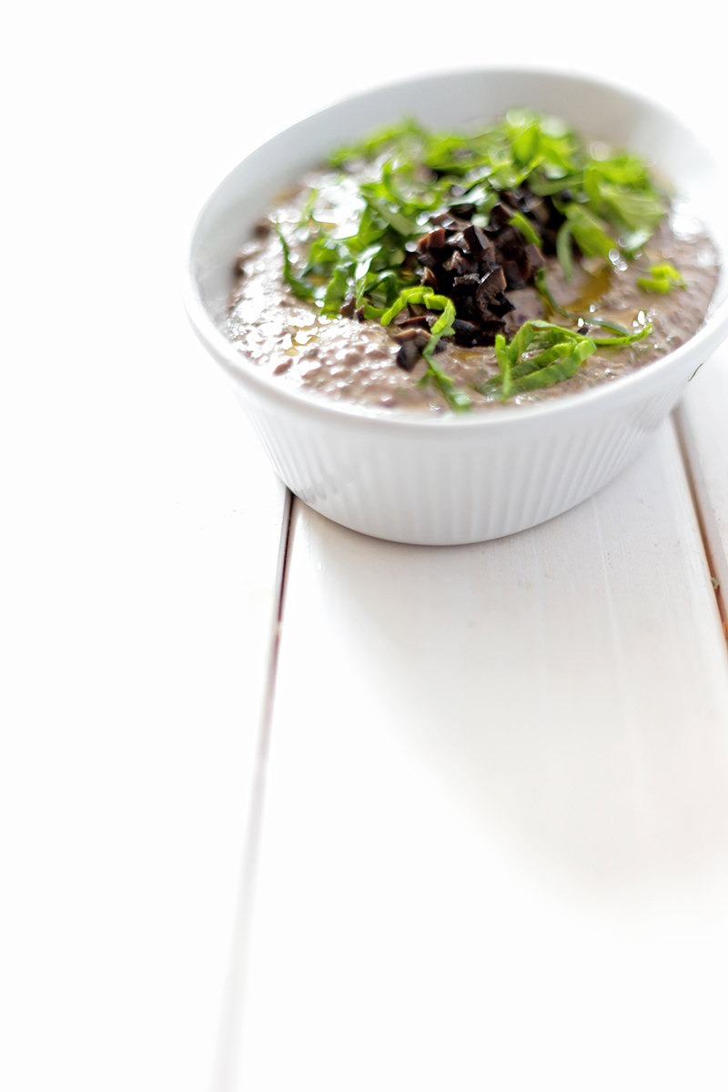 Spinach and Black Bean Hummus