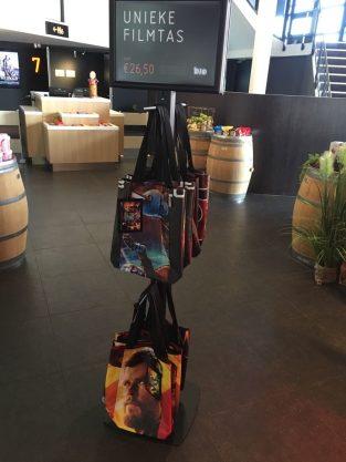0a752b1acea Tassen van filmbanieren bij Eye Filmmuseum en Vue; Upcycling op z'n ...