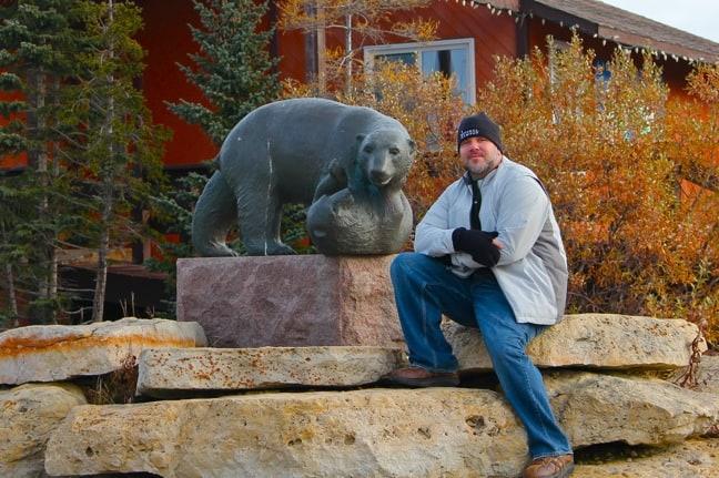 Polar_Bear_Statue_Churchill_Manitoba