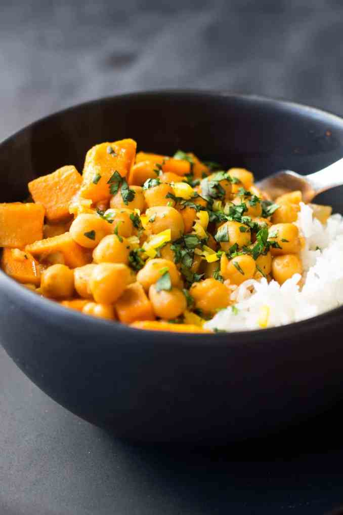 Vegan Sweet Potato and Chickpea Curry - Green Healthy Cooking