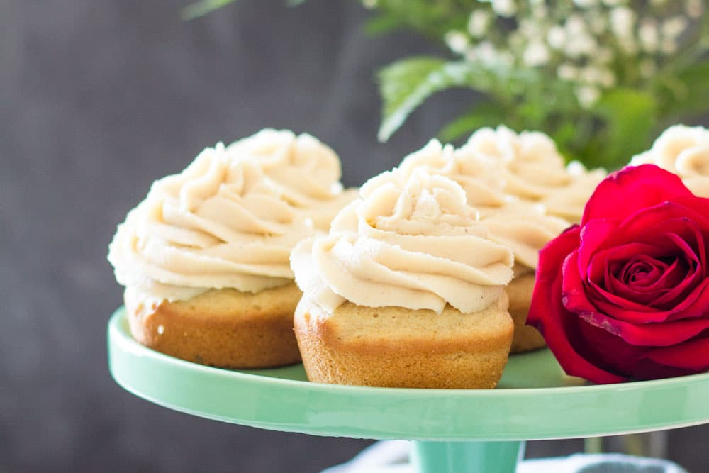 These Moist Vanilla Cupcakes are not only super delicious and pretty, they are also gluten-free, dairy-free, refined sugar-free and thus super healthy!