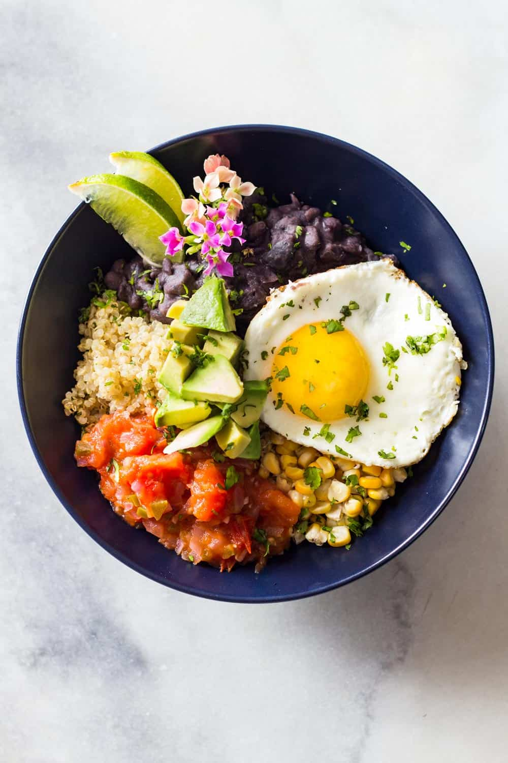 If you ever wondered how to make quinoa for breakfast, here I have the most amazing Quinoa Breakfast Bowl recipe ever! Start the day with full power!