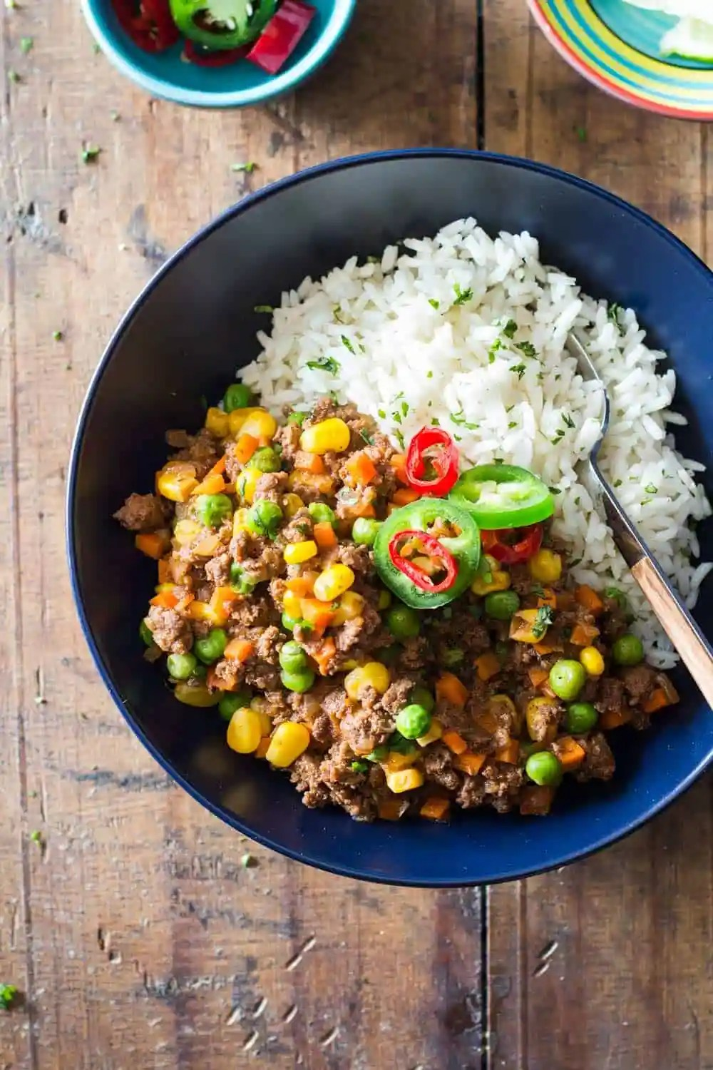 A combination of your two favorite recipe qualities: quick and Mexican. Hehe. This 20-Minute Mexican Picadillo is a great healthy weekday dinner recipe.