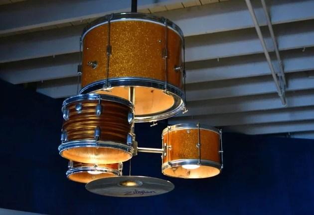 Нестандартные идеи для дизайна квартиры Использование необычных аксессуаров из старых вещей GreenhouseBay.ru
