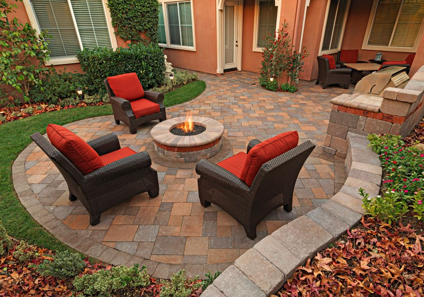 Paver Patio With Retainer Wall And Fire Pit Greenlawn By