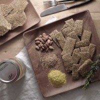 "VEGAN ""CHEESY"" FLAX CRACKERS"