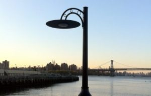 Lumi Solair solar LED classic lighting pole